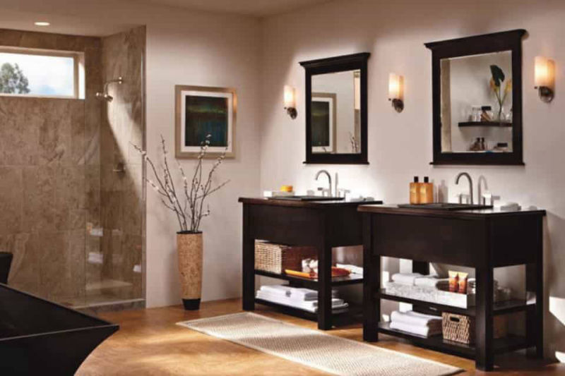 Master bathroom remodeling projects take many forms.